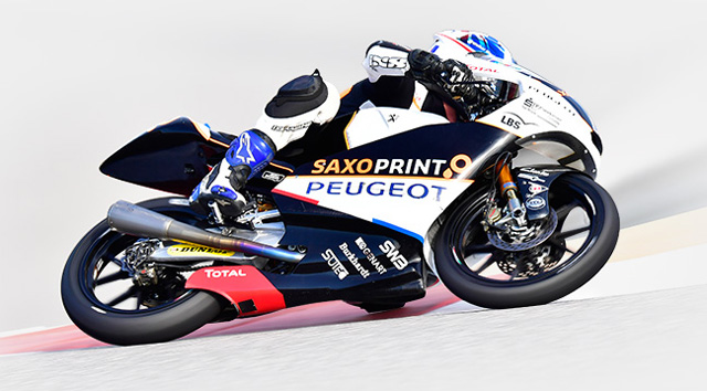 The Peugeot MCP30 motorbike in the wake of the P515